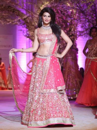 2.-Top-10-Bridal-Looks-from-the-Ramp-ever-7