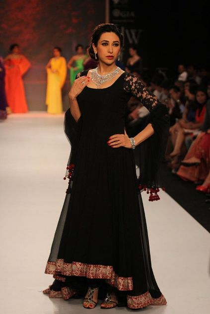 Karishma Kapoor in a long-short anarkali