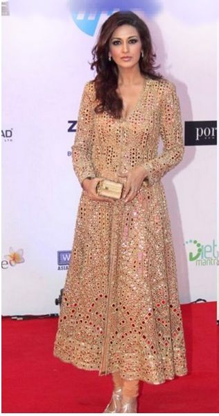 Sonali Bendre in a coat-style anarkali