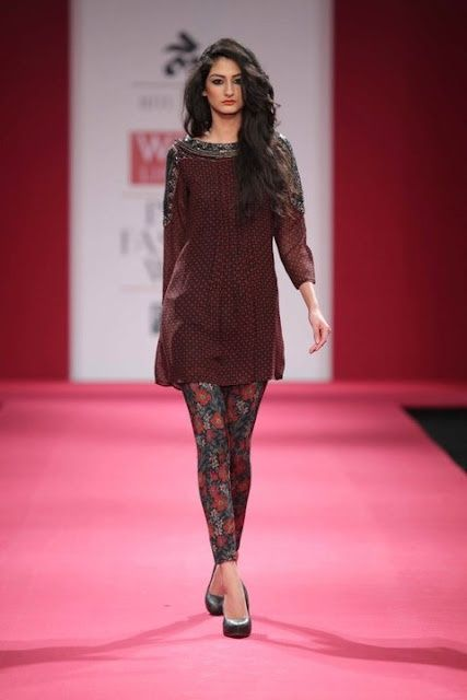simple kurta with printed leggings