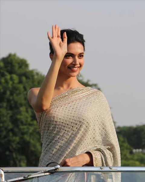 Deepika's saree for Bajirao Mastani promotions in Jaipur