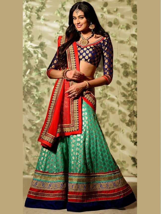 Banarasi silk dupatta teamed with a lehenga.