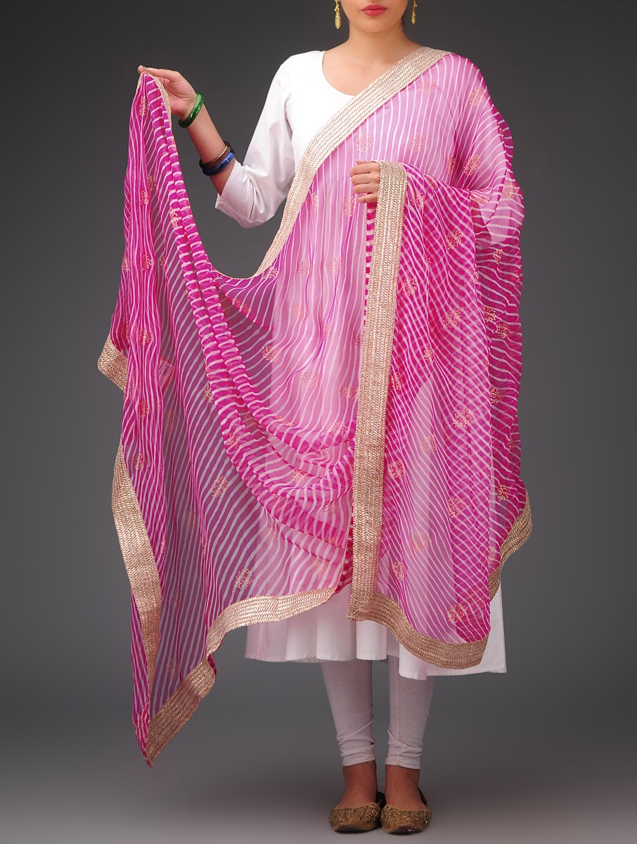 Simple chiffon dupatta.