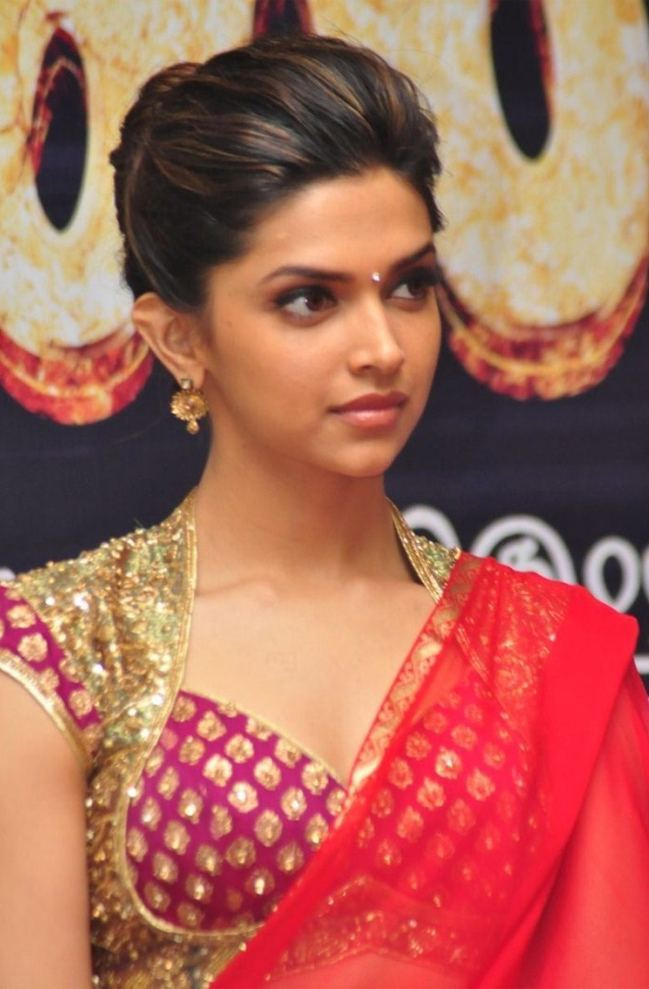 Hairstyles Inspired By Deepika Padukone_Puff Buns