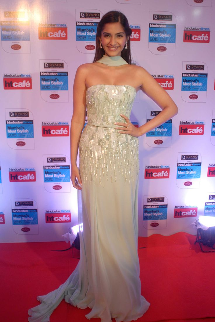 Sonam Kapoor at Mumbai's Most Stylish Awards 2015