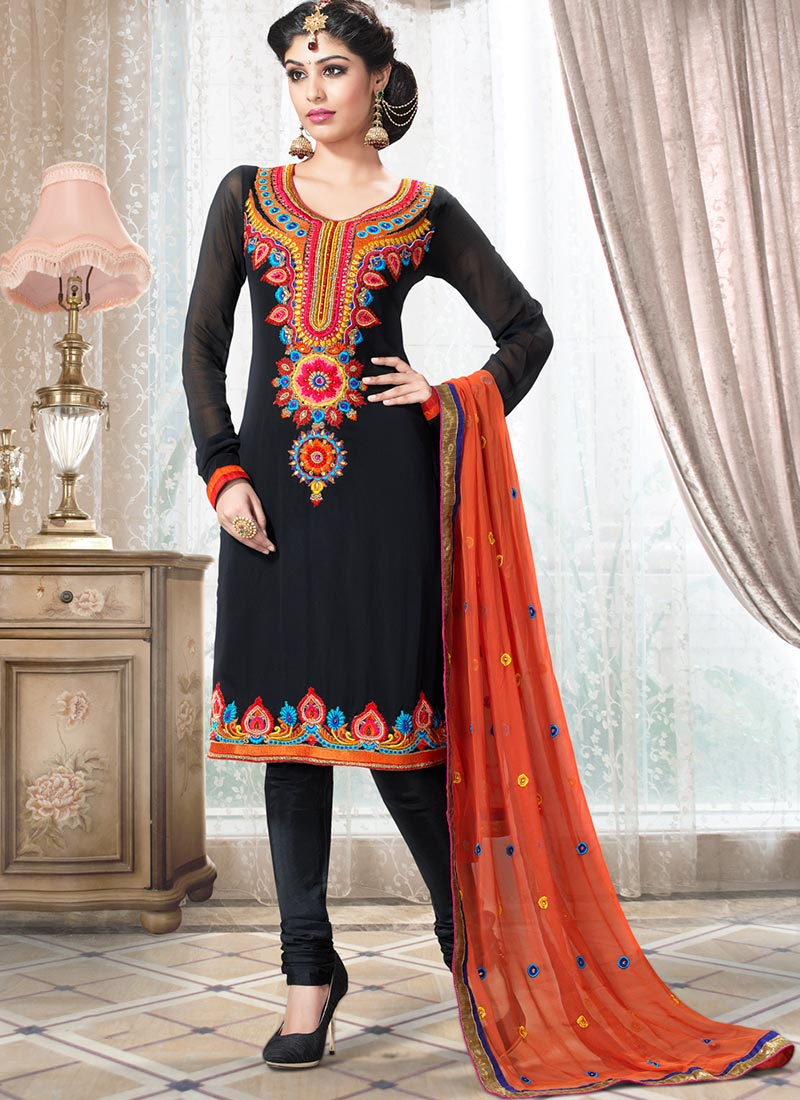 5 Types Of Salwar Kameez To Fit You Surprisingly Well