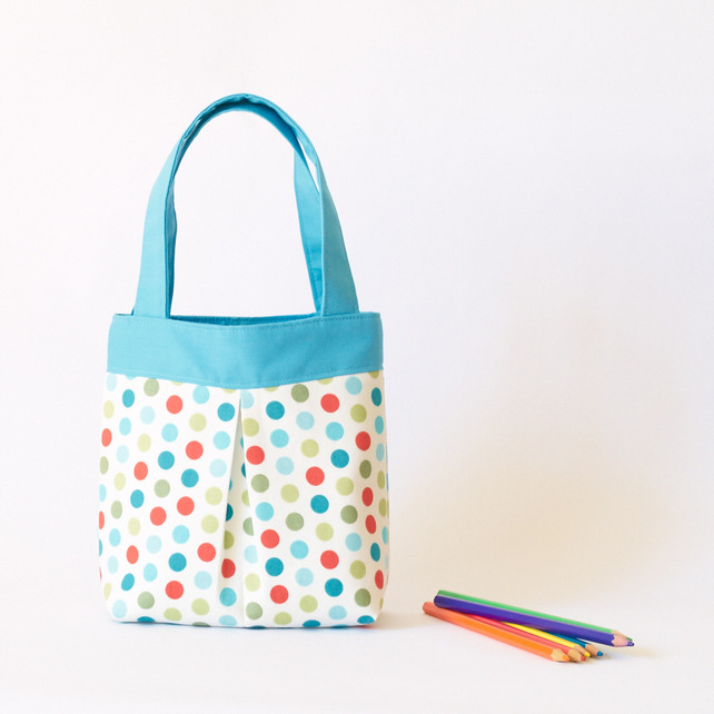 Totes with polka dots
