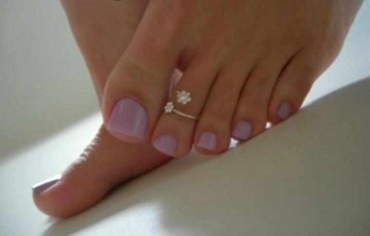 Swirl toe rings