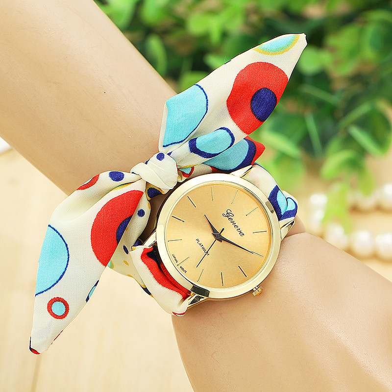 Watch with bow