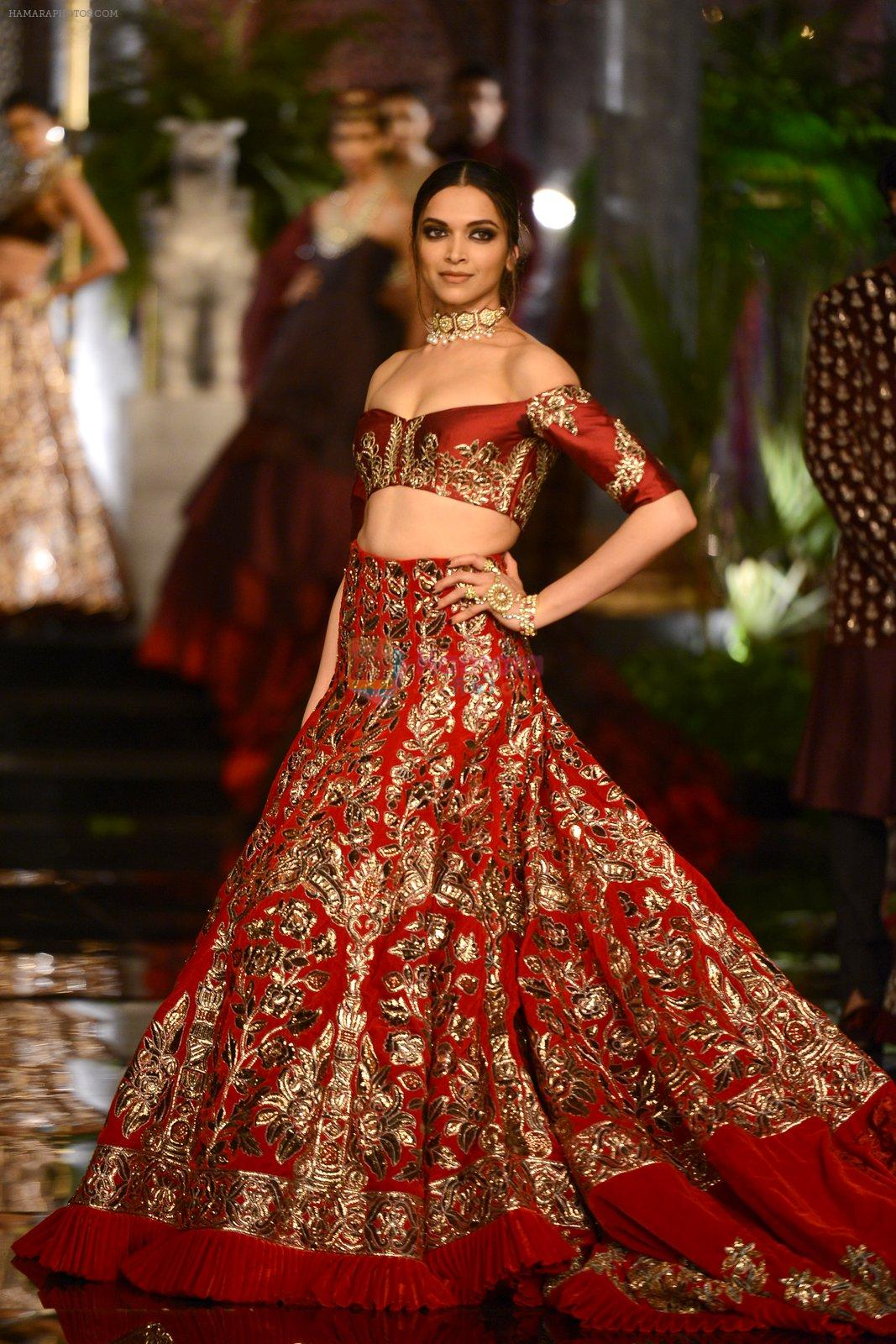 Check out her lehenga!