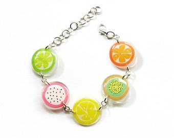 Another pretty bracelet