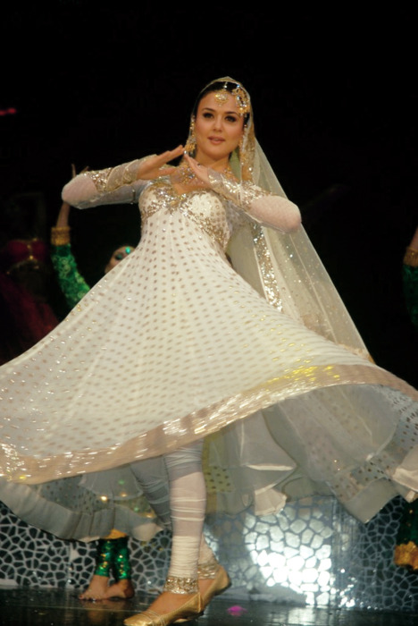 Preity Zinta dancing in a beautiful anarkali.