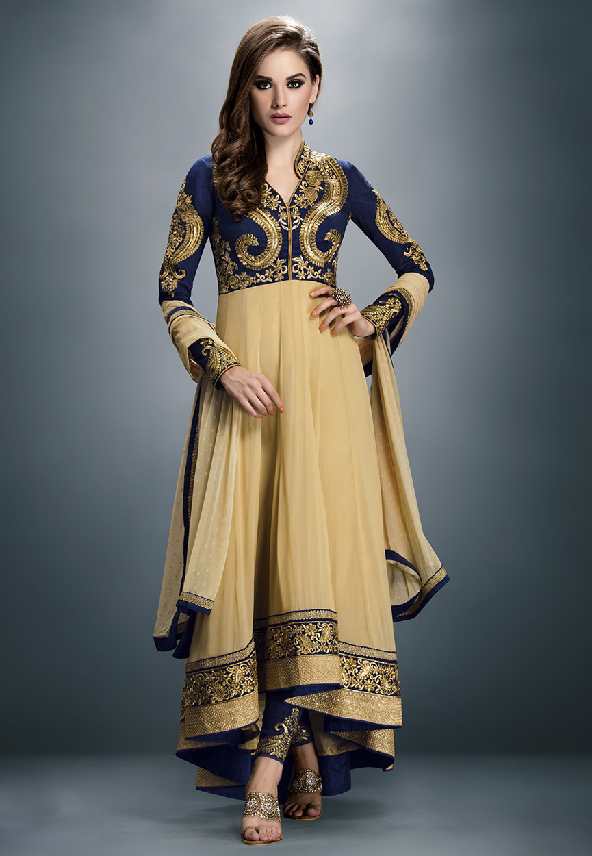The model in Asymmetric designer salwar kameez.