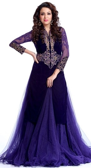 The model in indo-western designer salwar kameez.