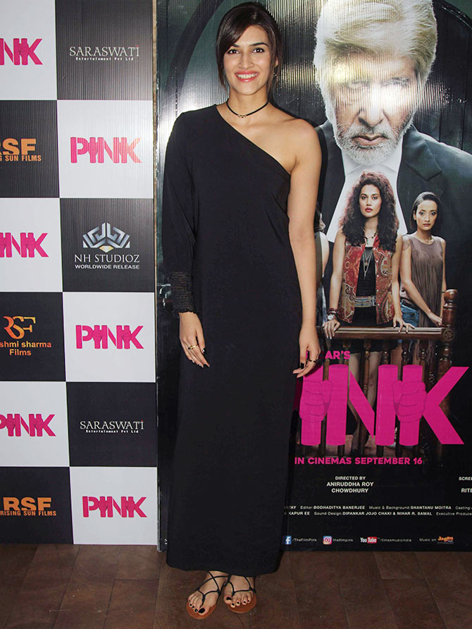 Kriti Sanon's look