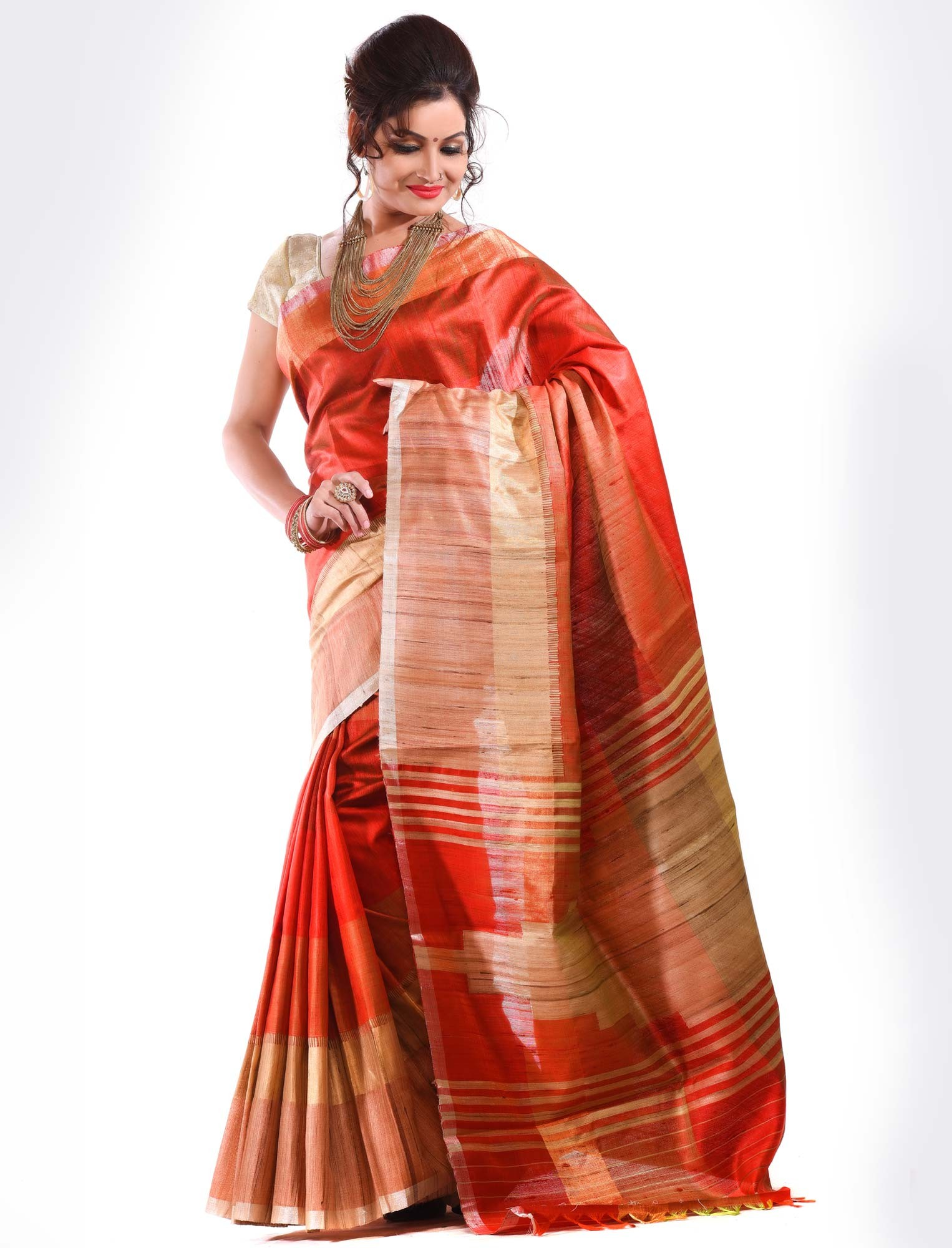 The model in Kosa Saree.