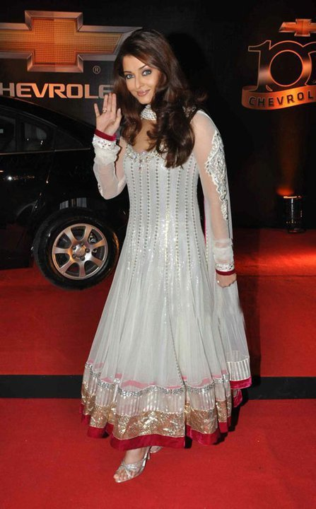 Aishwarya Rai in white mirror work Anarkali by Manish Malhotra at the event of Apsara Awards.