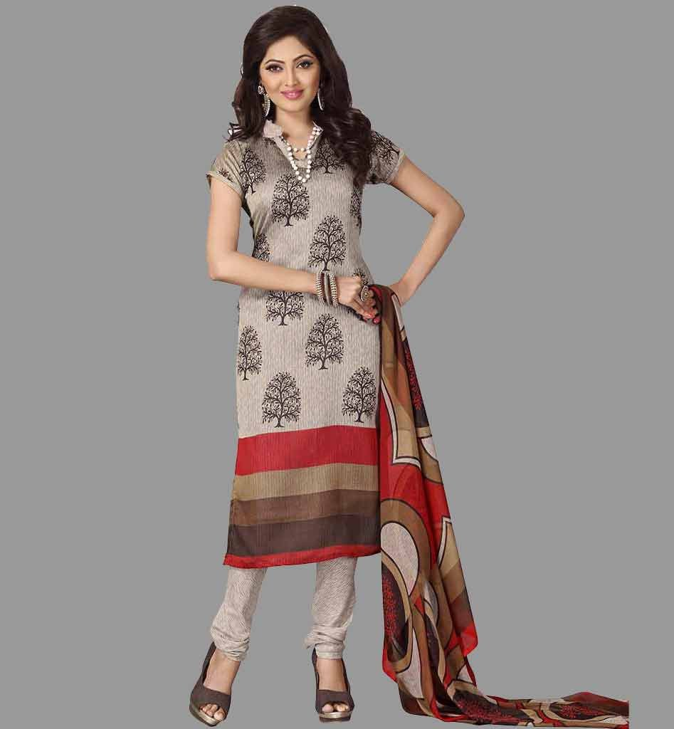 The model in Formal Salwar Suit Look.