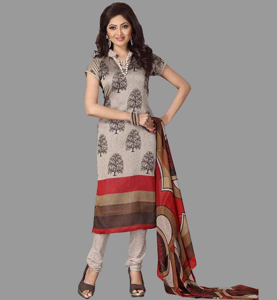 The model in Formal Salwar Suit Look.