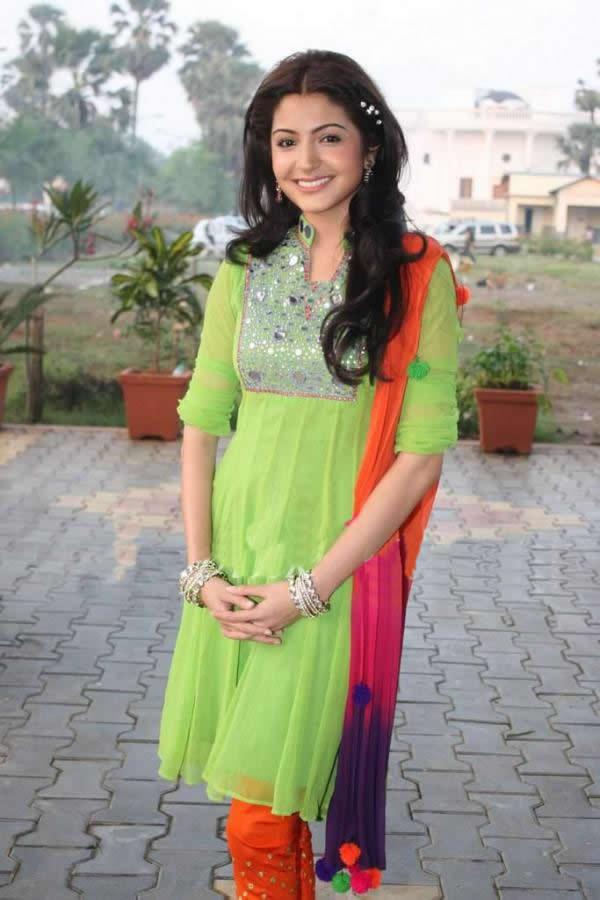 Bollywood Actress Anushka Sharma's Casual Salwar Suit Look.