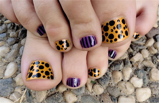 Halloween Toe Nail Art