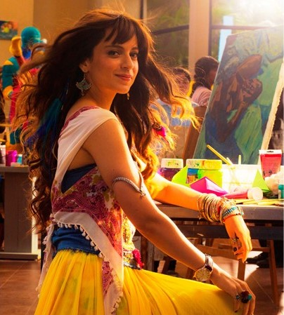 Kangana wearing armlet in the Film Katti Batti