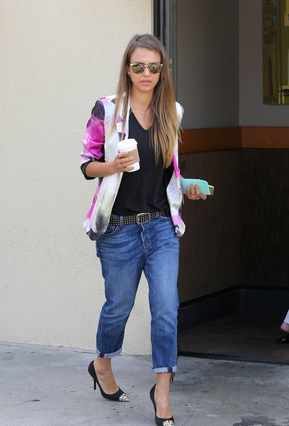 Jessica Alba in Los Angeles in boyfriend Jeans.