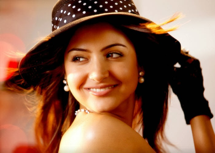 Bollywood Actress Anushka Sharma in the movie Badmaash Company.