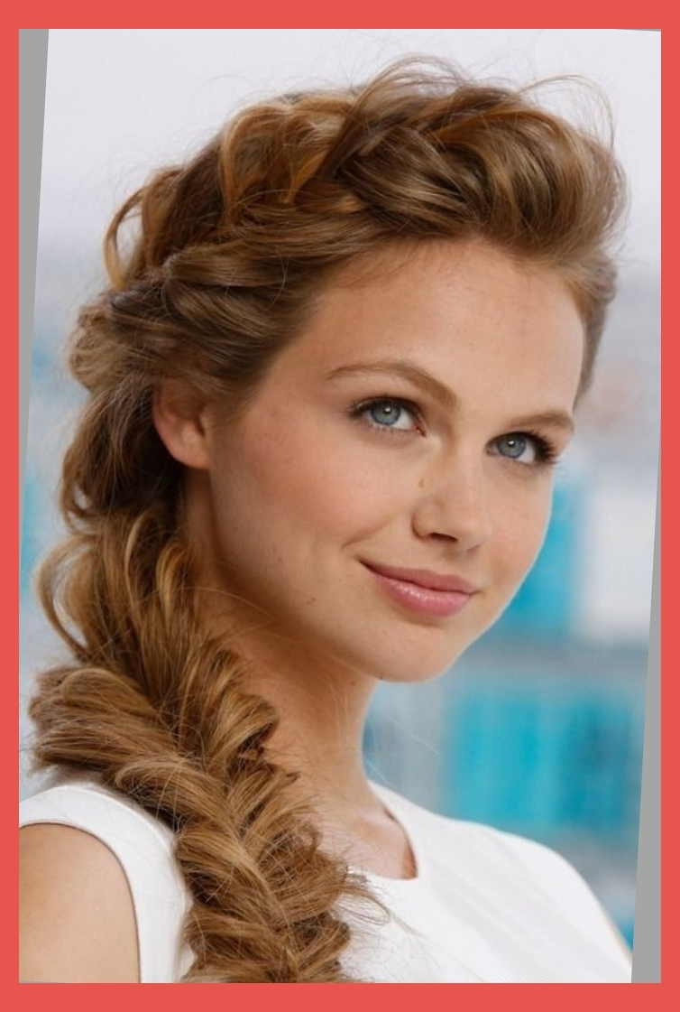 The model with chunky french fishtail braid.