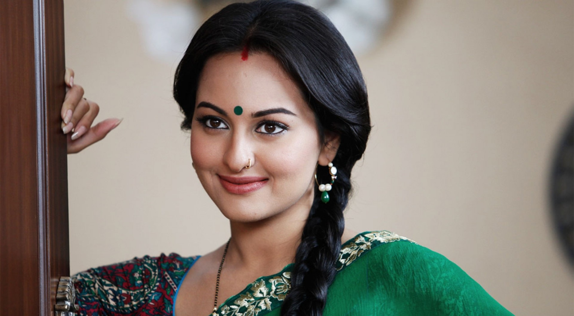 Bollywood Actress Sonakshi Sinha in Dabangg.
