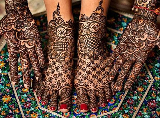 Chequered Mehndi Design