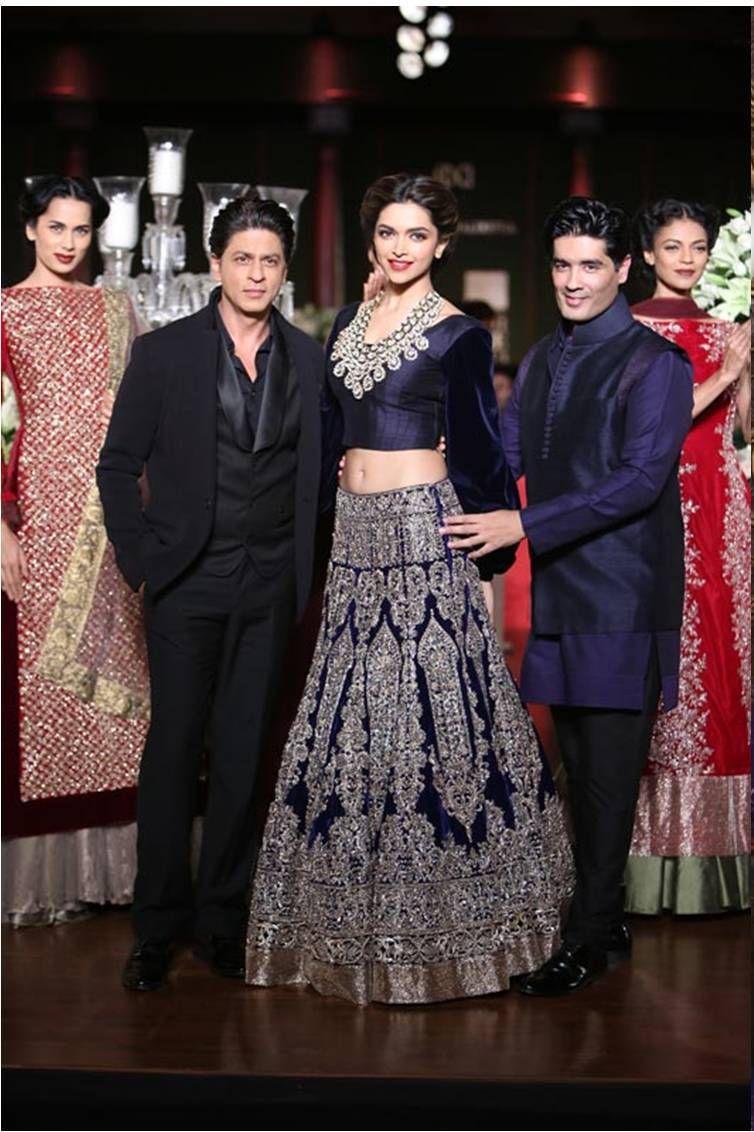 242._indian-designer-bollywood-actress-replica-wedding-bridal-lehenga-242