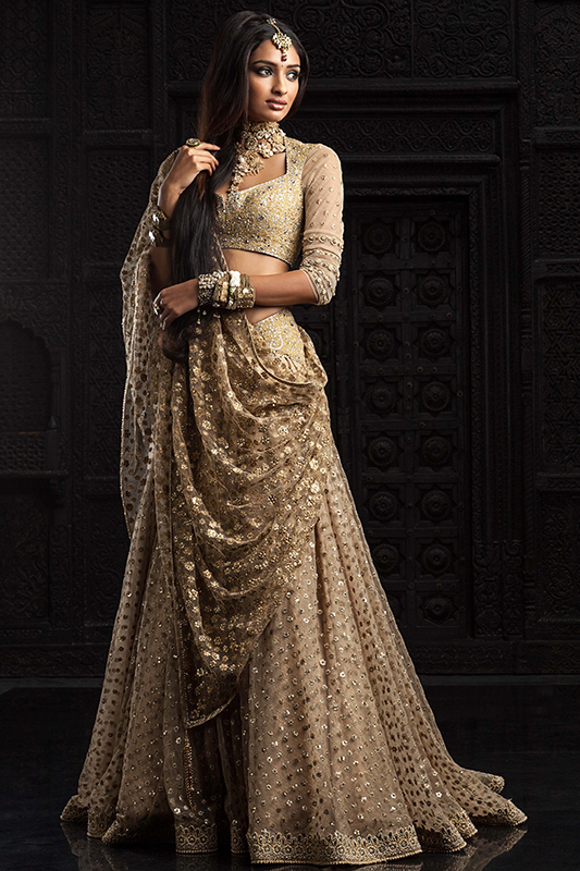 Indian-Wedding-Dresses-Designs-Pictures-2015-For-Brides