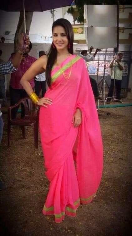 saree-fabric-to-look-slim.jpg