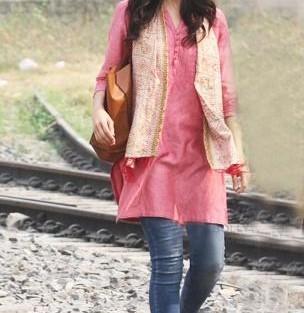 Plain kurti with scarf