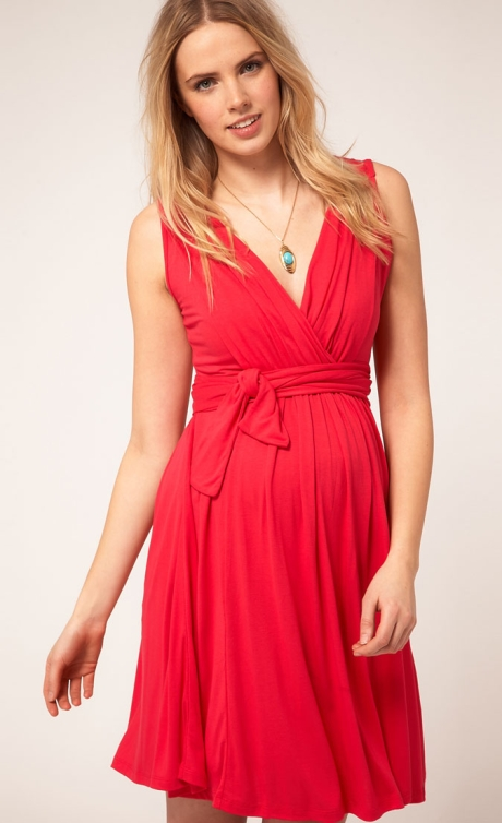 Wrap dress for pregnant women