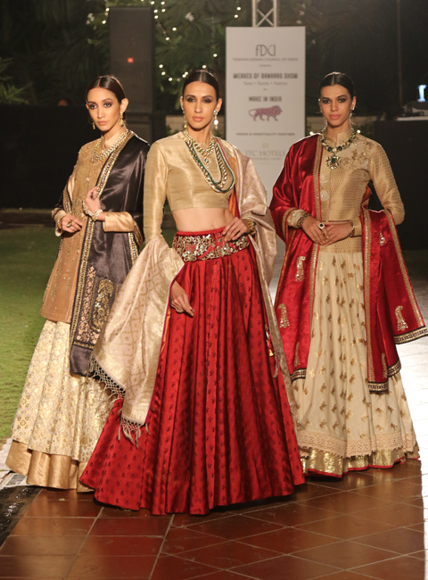 A mix of royalty and gentleness showcased through Anju Modi's collection