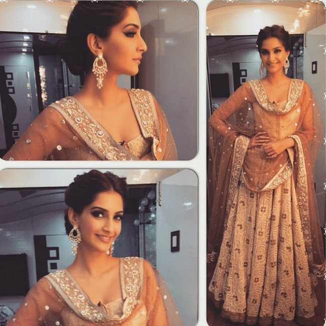 Sonam in corset blouse at Comedy nights with Kapil