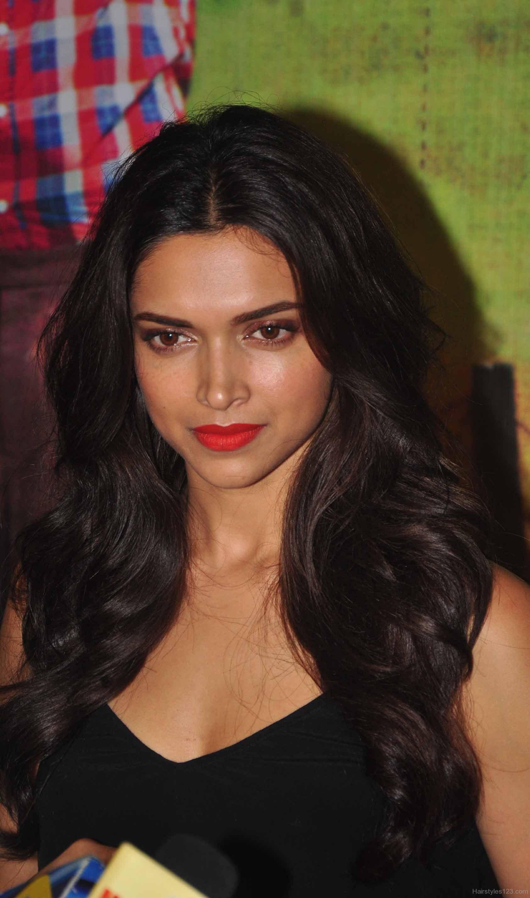 15 Amazing Deepika Padukone Hairstyles - FashionPro