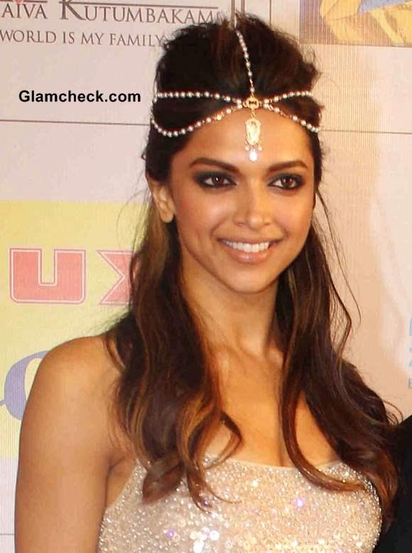 Hairstyles Inspired By Deepika Padukone_Half up-Half Down Hairstyle