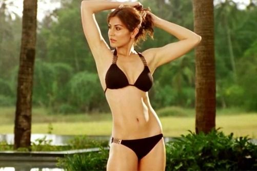 Anushka Sharma in Ladies vs. Ricky Bahl