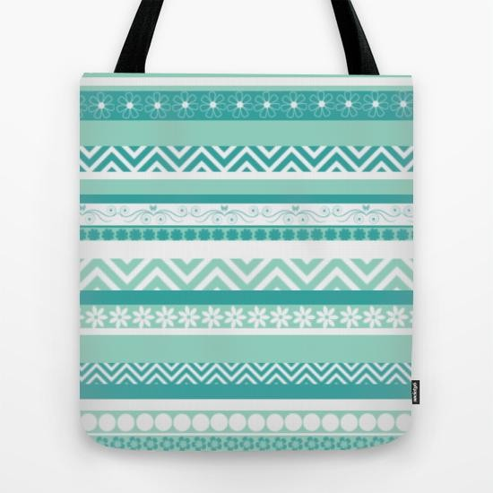 Tote bag with a geometric pattern
