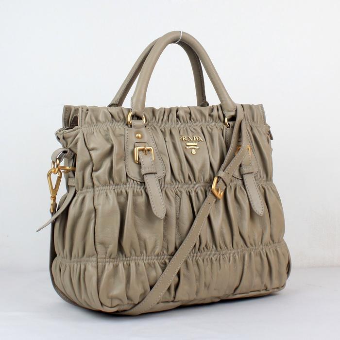 Prada-Tote-Bag-2