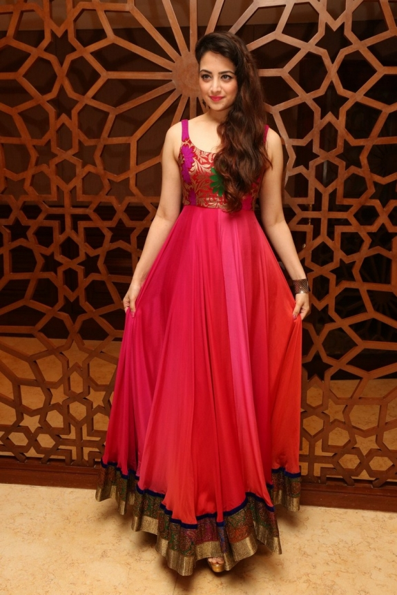 Zoya Afroz
