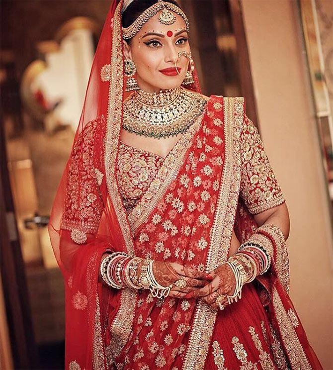 Bipasha Basu's wedding saree was designed by Sabyasachi