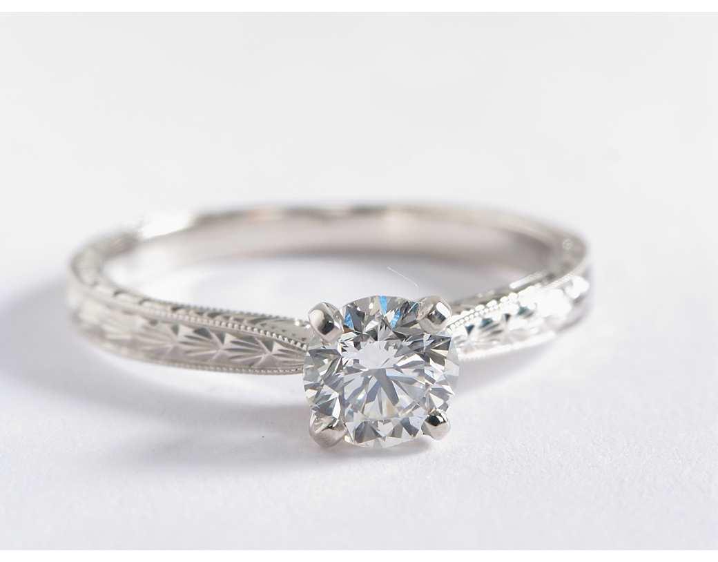 Look at this elegant ring!