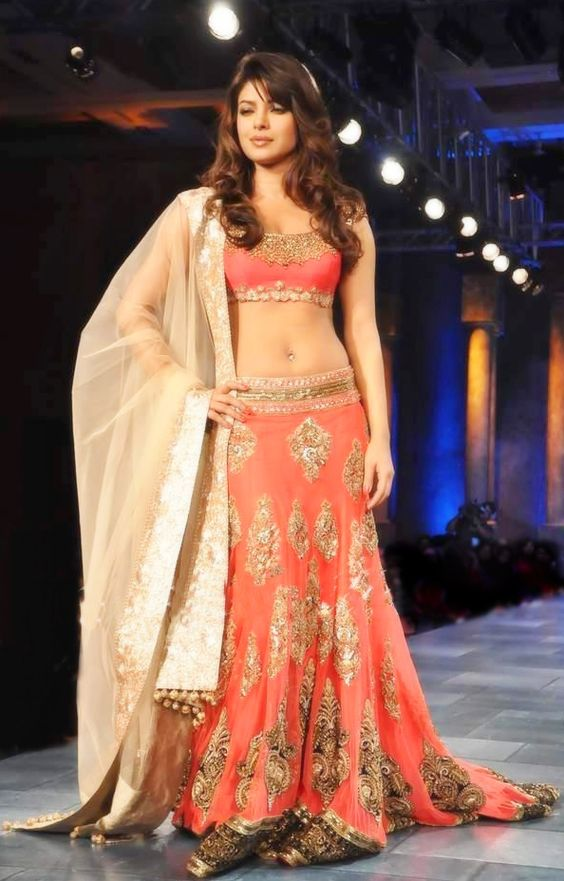 Priyanka Chopra walked the ramp for Manish Malhotra.