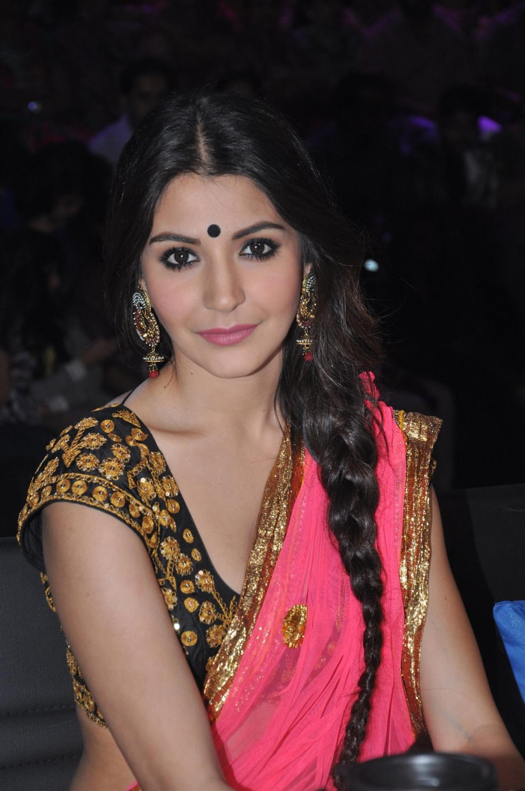 Anushka Sharma in Pink Saree.