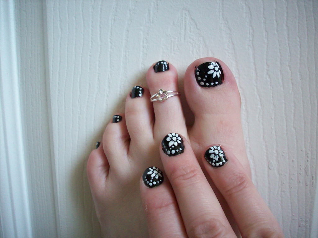 Creative Toe Nail Art.