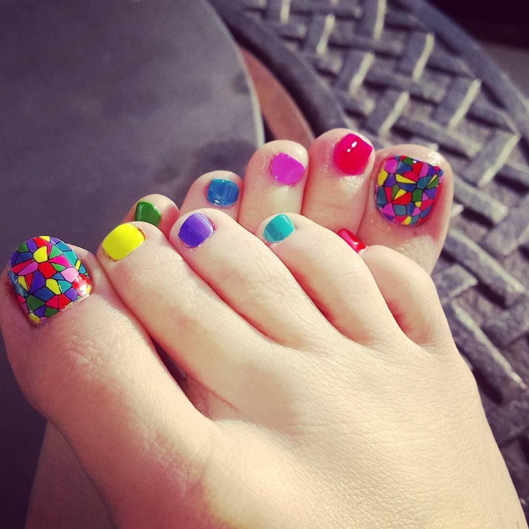 Simple Toe Nail Art Design